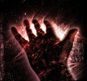 Η φωτογραφία αύρας Kirlian ενός καμμένος ανθρώπινου αρσενικού χεριού που παρουσιάζει διαφορετικά σύμβολα και παρουσιάζει των χερι ελεύθερη απεικόνιση δικαιώματος