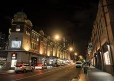 Η φωτογραφία νύχτας του τελευταίου δρόμου σε Haymarket, αυτό βρίσκεται στο νότιο τέλος του κεντρικού εμπορικού κέντρου του Σίδνεϊ στοκ εικόνες