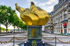 Η φλόγα της ελευθερίας στο Παρίσι, Γαλλία Στοκ Φωτογραφίες