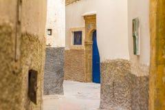 Η χαρακτηριστική αλέα στην ΟΥΝΕΣΚΟ προστάτευσε την παλαιά αραβική πόλη Essaouira Στοκ Εικόνες