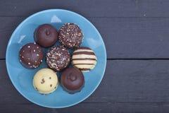 Η χαρακτηριστική ολλανδική σοκολάτα μεταχειρίζεται με η κρέμα μέσα Στοκ φωτογραφία με δικαίωμα ελεύθερης χρήσης