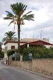 Η χαρακτηριστική οδός στο νησί Aegina Στοκ Εικόνα