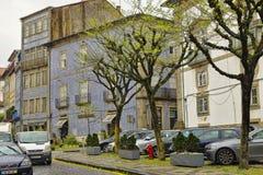 Η χαρακτηριστική παλαιά ζωηρόχρωμη κατοικία στο κέντρο της Braga Στοκ εικόνες με δικαίωμα ελεύθερης χρήσης