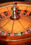 η χαρτοπαικτική λέσχη πελεκά τη σειρά ρουλετών πόκερ στοκ εικόνες