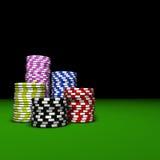 Η χαρτοπαικτική λέσχη πόκερ πελεκά τους σωρούς Στοκ φωτογραφία με δικαίωμα ελεύθερης χρήσης