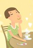 Η χαλαρωμένη γυναίκα πίνει το πράσινο τσάι Στοκ Φωτογραφία