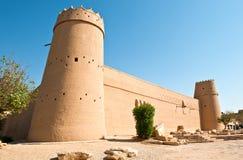 η χορήγηση της χρωματισμένης συνδετήρας ανύψωσης περιοχής της Αραβίας περιλαμβάνει χαράζει το ανάγλυφο Σαουδάραβας μονοπατιών σκί Στοκ φωτογραφία με δικαίωμα ελεύθερης χρήσης