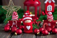 Η χρονική σύνθεση Χριστουγέννων με λίγο άτομο λογαριάζει Στοκ Εικόνα