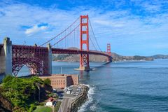 Η χρυσή γέφυρα πυλών που βλέπει από το σημείο οχυρών, Σαν Φρανσίσκο, Κα στοκ εικόνα