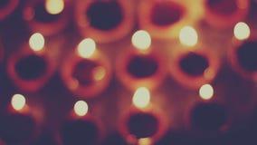 Η χωμάτινη ελαιολυχνία είναι κατά τη διάρκεια του ινδικού φεστιβάλ απόθεμα βίντεο
