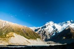 Η όμορφη άποψη και ο παγετώνας στο εθνικό πάρκο Cook υποστηριγμάτων, νότος είναι στοκ φωτογραφία