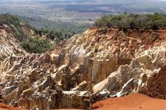Η όμορφη άποψη της διάβρωσης φαραγγιών αυλακώνει, στην επιφύλαξη Tsingy Ankarana, Μαδαγασκάρη Στοκ φωτογραφίες με δικαίωμα ελεύθερης χρήσης
