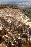 Η όμορφη άποψη της διάβρωσης φαραγγιών αυλακώνει, στην επιφύλαξη Tsingy Ankarana, Μαδαγασκάρη Στοκ Εικόνες