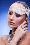 Η όμορφη γυναίκα με καλλιτεχνικό δημιουργικό αποτελεί Στοκ εικόνα με δικαίωμα ελεύθερης χρήσης