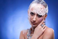 Η όμορφη γυναίκα με καλλιτεχνικό δημιουργικό αποτελεί Στοκ φωτογραφίες με δικαίωμα ελεύθερης χρήσης