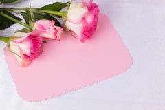 η όμορφη κάρτα αυξήθηκε κεί& Στοκ φωτογραφία με δικαίωμα ελεύθερης χρήσης
