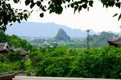 Η όμορφη οικοδόμηση οικοδόμησης αρχιτεκτονικής του Βιετνάμ βλέπει το σημείο άποψης Στοκ Φωτογραφία
