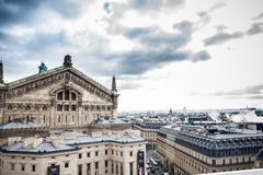 Η όμορφη πόλη του Παρισιού σε μια κρύα χειμερινή ημέρα στοκ εικόνες