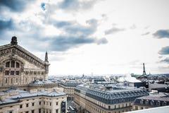 Η όμορφη πόλη του Παρισιού σε μια κρύα χειμερινή ημέρα στοκ φωτογραφίες με δικαίωμα ελεύθερης χρήσης