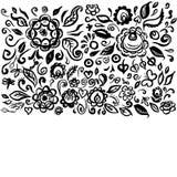 Η όμορφη floral διακόσμηση τέχνης καρτών λαϊκή στην άσπρη εκλεκτής ποιότητας κομψή γαμήλια πρόσκληση υποβάθρου με το καλοκαίρι αν Στοκ Εικόνες