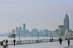 Η όχθη ποταμού του ποταμού Whampoa στη Σαγκάη στοκ εικόνες