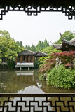 Η όψη σε έναν κινεζικό παραδοσιακό κήπο Στοκ Εικόνες