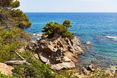 Η δύσκολη ακτή της Μεσογείου στην Ισπανία Στοκ Φωτογραφία