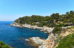 Η δύσκολη ακτή της Μεσογείου στην Ισπανία Στοκ φωτογραφία με δικαίωμα ελεύθερης χρήσης