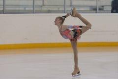 Η Anna Cherezova από τη Μολδαβία εκτελεί τη χρυσή κατηγορία IV ελεύθερο πρόγραμμα πατινάζ κοριτσιών για το εθνικό πρωτάθλημα πατι Στοκ εικόνα με δικαίωμα ελεύθερης χρήσης