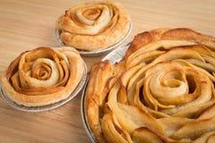 Η Apple αυξήθηκε πίτα, το μίνι μήλο αυξήθηκε πίτες Στοκ φωτογραφία με δικαίωμα ελεύθερης χρήσης