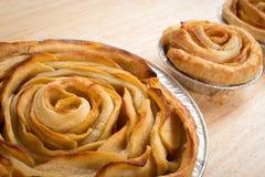 Η Apple αυξήθηκε πίτα, το μίνι μήλο αυξήθηκε πίτες Στοκ Εικόνες