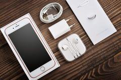 Η Apple αυξήθηκε χρυσό iPhone 6S Στοκ Φωτογραφία