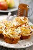 Η Apple αυξήθηκε muffins Στοκ εικόνες με δικαίωμα ελεύθερης χρήσης
