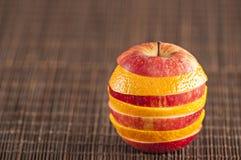 Η Apple και το πορτοκάλι συναρμολογούν Στοκ Εικόνα