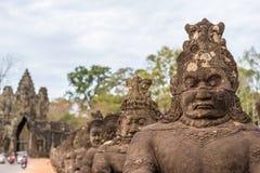 η banteay λίμνη της Καμπότζης angkor lotuses συγκεντρώνει siem το ναό srey Στοκ Φωτογραφία