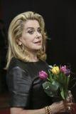 Η Catherine Deneuve παρευρίσκεται στο ` η μαία ` Στοκ εικόνα με δικαίωμα ελεύθερης χρήσης