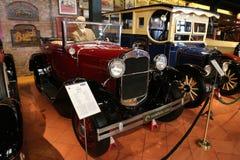 1930 η Ford διαμορφώνει ένα ανοικτό αυτοκίνητο Στοκ Εικόνα