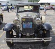 1930 η Ford διαμορφώνει ένα αυτοκίνητο Στοκ Εικόνες