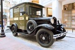 1931 η Ford διαμορφώνει ένα φορτηγό ταχυδρομείου υπηρεσιών αποστολής δεμάτων Στοκ Εικόνες