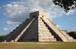 η kukulkan πυραμίδα του Μεξικού itza Στοκ Εικόνα