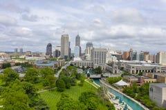 Η Midwest πόλη της Ινδιανάπολης Ιντιάνα μια θερινή ημέρα στοκ φωτογραφίες