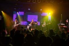 Η Stephanie Keiko Kong τραγουδά ως παιχνίδια ζωνών στη σκηνή στοκ φωτογραφία με δικαίωμα ελεύθερης χρήσης