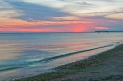 θάλασσα αποβαθρών μονοπατιών παραλιών Στοκ Φωτογραφίες