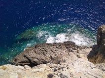 θάλασσα απότομων βράχων Στοκ Φωτογραφίες
