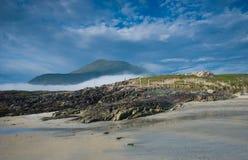 θάλασσα βουνών της Ιρλανδίας σπιτιών connemara Στοκ εικόνα με δικαίωμα ελεύθερης χρήσης
