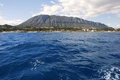 θάλασσα βουνών montgo mongo denia στοκ φωτογραφία