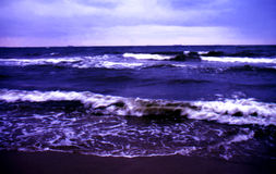 θάλασσα βραδιού θυελλώ& Στοκ φωτογραφία με δικαίωμα ελεύθερης χρήσης
