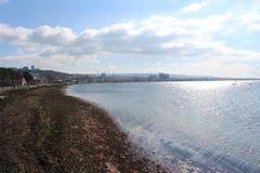 Θάλασσα και ήρεμοι ουρανοί στοκ φωτογραφία με δικαίωμα ελεύθερης χρήσης