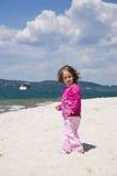θάλασσα κοριτσιών ακτών Στοκ Φωτογραφία