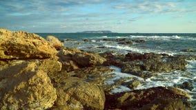 Θάλασσα, κύματα, ψεκασμός, ακτή δύσκολη ακτή φιλμ μικρού μήκους